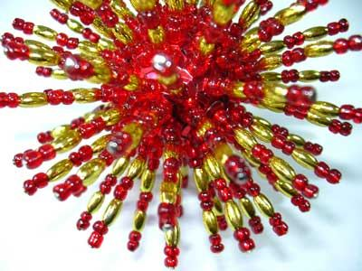 Beaded Ball (red/gold)